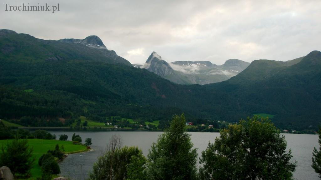 Norwegia, Bjorkedalen, widok z tarasu. Fot. Piotr Trochimiuk, 2010