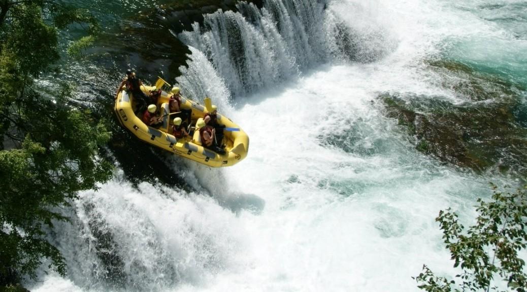 Rafting na rzece Una, Park Narodowy Una, Bośnia i Hercegowina. Fot. Piotr Trochimiuk 2013